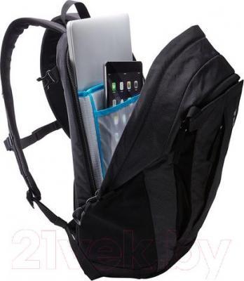 Рюкзак для ноутбука Thule EnRoute 2 Triumph / TETD-215DS (серо-зеленый) - пример использования, цвет товара серый