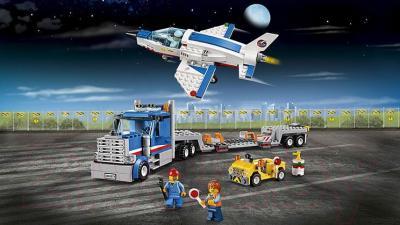 Конструктор Lego City Транспортер для учебных самолетов (60079)
