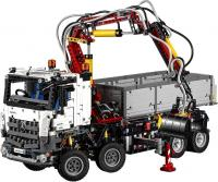 Конструктор Lego Technic Mercedes-Benz Arocs (42043) -
