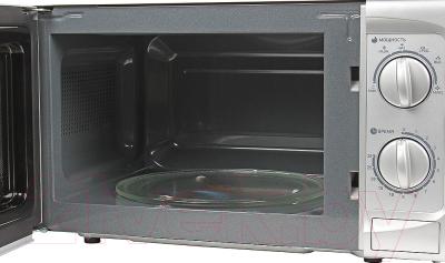 Микроволновая печь BBK 20MWS-707M/S - с открытой дверцей