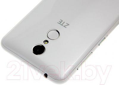 Смартфон ZTE Blade X5 (белый)