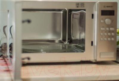 Микроволновая печь Bosch HMT84G451R - презентационное фото 2