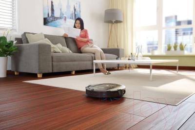 Робот-пылесос Philips FC8810/01
