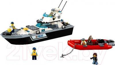 Конструктор Lego City Полицейский патрульный катер (60129)