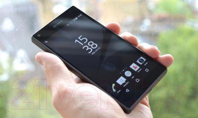 Смартфон Sony Xperia Z5 Compact / E5823RU/B (черный)
