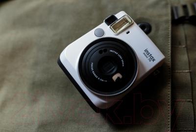 Фотоаппарат с мгновенной печатью Fujifilm Instax Mini 70 (белый)