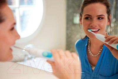 Звуковая зубная щетка Philips Sonicare Plaque Control HX6231/01