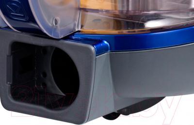 Пылесос LG VK76R03HY - отверстие для шланга