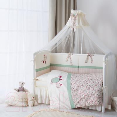 Комплект в кроватку Perina Клюковка КЛ6-01.3 - в интерьере (балдахин в комплект не входит)