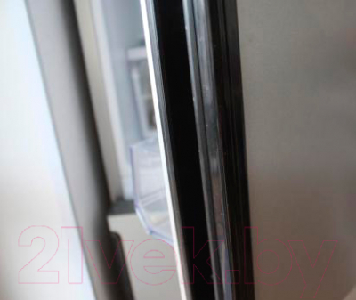 Холодильник с морозильником Hotpoint HF 7200 S O