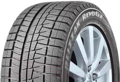 Зимняя шина Bridgestone Blizzak Revo GZ 215/50R17 91S