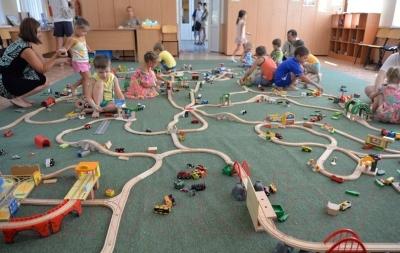 Элемент железной дороги Brio Трейлер для перевозки лошадей 33405