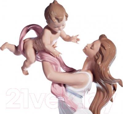"""Статуэтка Lladro Familia """"Моя маленькая радость"""""""