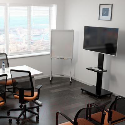 Стойка для ТВ/аппаратуры Holder PR-106 (черный) - расположение в офисе