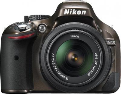 Зеркальный фотоаппарат Nikon D5200 Kit (18-55mm VR, бронзовый) - вид спереди