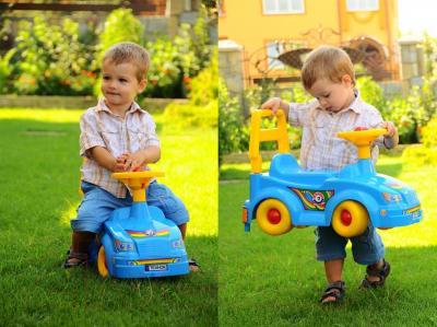 Каталка детская ТехноК Автомобиль для прогулок 2483 (красный) - машина красного цвета