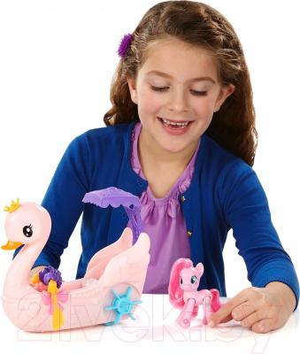 Игровой набор Hasbro My Little Pony Пинки Пай на лодке (B360)