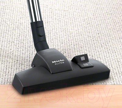 Пылесос Miele SDMB0 Compact C2 Comfort (морской синий)