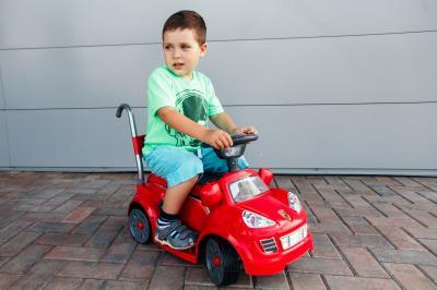 Детский автомобиль Sundays Porsche Mini BJ26 (красный)