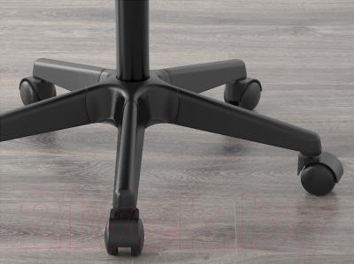 Стул офисный Ikea Альрик 202.108.94 - колесики автоматически блокируются, когда стул не используется