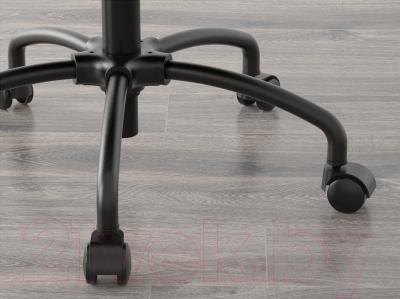 Кресло офисное Ikea Турбьёрн 202.247.54 - колесики автоматически блокируются, когда стул не используется