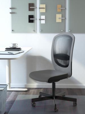 Кресло офисное Ikea Флинтан 202.904.66 (серый) - в интерьере