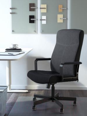 Кресло офисное Ikea Малькольм 301.968.02 - в интерьере
