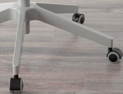 Кресло офисное Ikea Маркус 401.031.00 (черный) - колесики автоматически блокируются, когда стул не используется