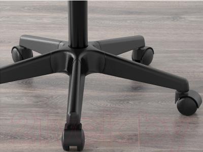 Стул офисный Ikea Альрик 402.141.17 (синий) - колесики автоматически блокируются, когда стул не используется