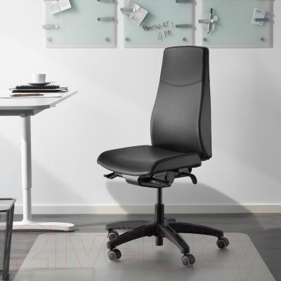 Кресло офисное Ikea Вольмар 402.929.21 (черный) - в интерьере