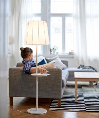 Торшер Ikea Варв 102.806.94 (с беспроводной зарядкой)