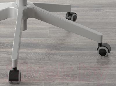 Кресло офисное Ikea Патрик 700.681.62 - колесики автоматически блокируются, когда стул не используется