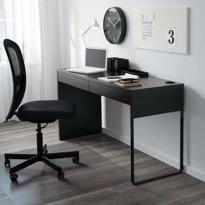 Письменный стол Ikea Микке 602.447.45 (черно-коричневый)