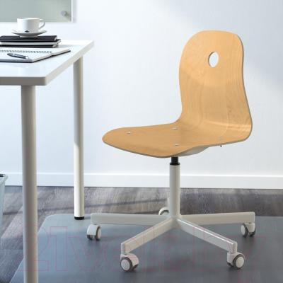 Стул офисный Ikea Вогсберг/Споррен 090.066.63 (березовый шпон/белый) - в интерьере
