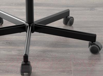 Стул офисный Ikea Сколберг/Споррен 090.236.10 (красный/черный) - колесики автоматически блокируются, когда стул не используется