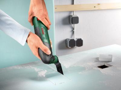 Многофункциональный инструмент Bosch PMF 190 E Set (0.603.100.521) - в работе