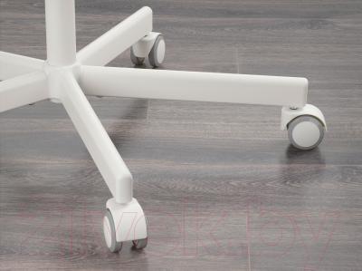 Стул офисный Ikea Сколберг/Споррен 490.236.08 (розовый/белый) - колесики автоматически блокируются, когда стул не используется