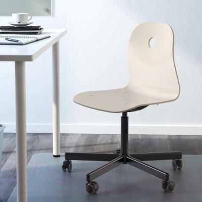 Стул офисный Ikea Вогсберг/Споррен 290.066.81 (белый/черный) - в интерьере