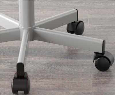 Стул офисный Ikea Юлес 498.845.32 (розовый/серебристый) - колесики автоматически блокируются, когда стул не используется