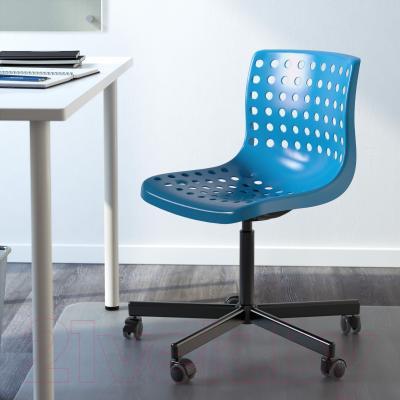Стул офисный Ikea Сколберг/Споррен 590.236.03 (синий/черный) - в интерьере
