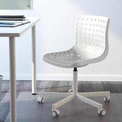 Стул офисный Ikea Сколберг/Споррен 690.236.12 (белый) - в интерьере