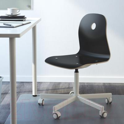 Стул офисный Ikea Вогсберг/Споррен 790.066.93 (черный/белый) - в интерьере