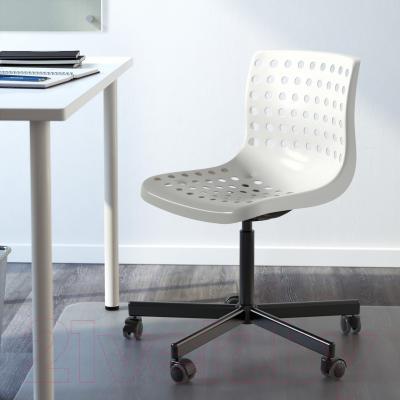 Стул офисный Ikea Сколберг/Споррен 790.236.02 (белый/черный) - в интерьере