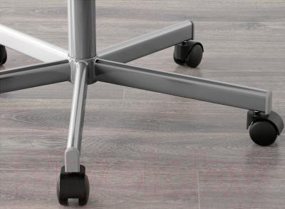 Стул офисный Ikea Снилле 790.462.60 (белый) - колесики автоматически блокируются, когда стул не используется