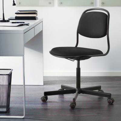 Стул офисный Ikea Орфьелль/Споррен 791.391.84 (черный) - в интерьере