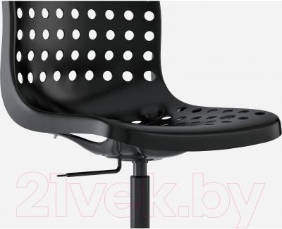 Стул офисный Ikea Сколберг/Споррен 990.236.01 (черный) - вид спереди