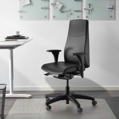Кресло офисное Ikea Вольмар 990.317.38 (черный) - в интерьере