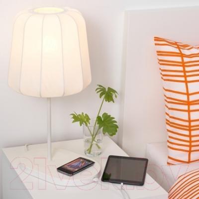 Лампа Ikea Варв 802.807.04 (c беспроводной зарядкой)