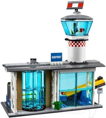 Конструктор Lego City Пассажирский терминал аэропорта (60104)