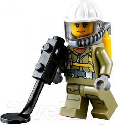Конструктор Lego City Грузовик исследователей вулканов (60121)